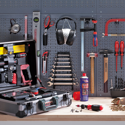 Outils + machines